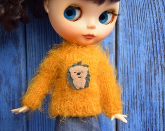 Sweater for Blythe with hedgehog Blythe outfit  Blythe doll clothes Blythe jumper  Blythe mustard sweater Blythe fluffy sweater