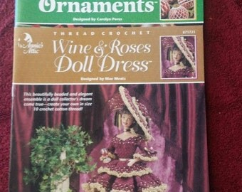 Thread Crochet Elegant Ornament,Old Worl Santas and Wine and Roses Doll Dress 1999 Annie Attic Crochet Bookets