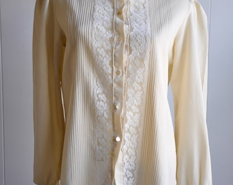 David Bowie/Labyrinth 1970s High Lace/Ruffle Collar Cream Button-up Blouse by Terry Designs in Chicago, Size L