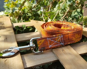 The Mighty but Light Dog Leash Fall/Thanksgiving Yellow and Orange Leafs with Acorns Pattern