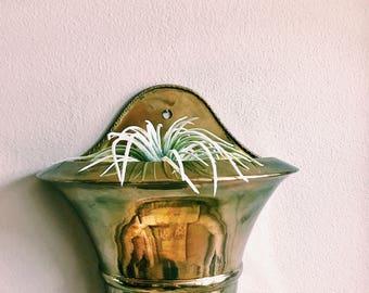 Vintage Brass Plant Holder / Wall Hanging Brass Planter / Brass Wall Pocket