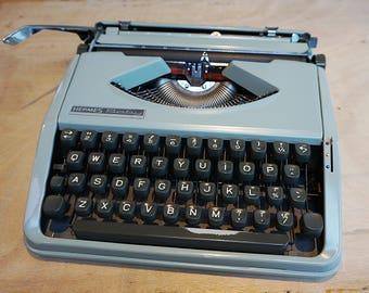 Vintage Hermes Baby Typewriter, Industrial Typewriter, 1960s Hermes Typewriter, Working typewriter, Vintage Typewriter, portable typewriter