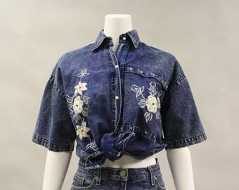 Vintage 1980s 80s Denim Western Style Shirt with Beading and Rhinestones   Size Medium   Acid Washed   Short Sleeves   Collar