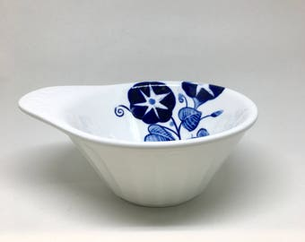 Moja Bowl - Noodle Bowl, Cereal Bowl, Serving Bowl, Hand-painted Ceramic Bowl w/ Floral Pattern, Soup Bowl, Medium Sized Bowl