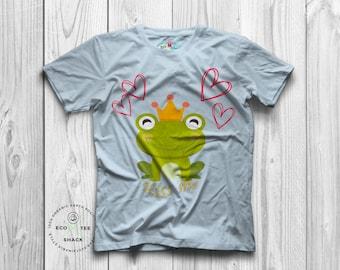 Kiss Me Frog T shirt, Cute graphic tee, organic tshirt, Ethical tees, Vegan clothing -  Eco Tee Shack