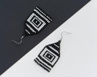 Square Earrings, Geometric earrings, Long earrings, Black White Earrings, Dangle earrings, Beaded earrings, Modern earrings, Woven earrings