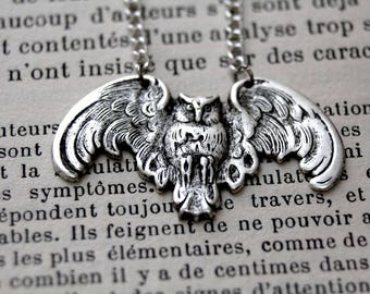 Victorian flying owl pendant, owl necklace, strega fashion, victorian necklace, owl pendant, occult jewelry, witchy necklace,