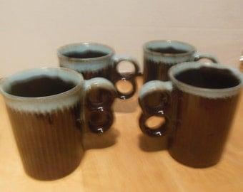 Set of 4 Ribbed Mugs  Double O Handles