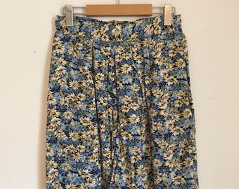 High waisted shorts, 90s, cute shorts, palazzo, pockets, M, *vintage*