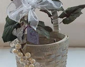 "Small Wine Gift Basket ""La Piccola Vita"" ""Little Gems Series"" ""MINI PEARL"""