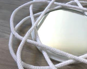 Mirror mirror knitting wool.