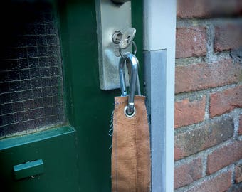 Leather key chain with karbijnhaak/multiple key rings/jeans and leather