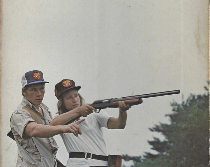 Score Better at Trap and Skeet by Fred Missildine, Nick Karas (1977) Paperback