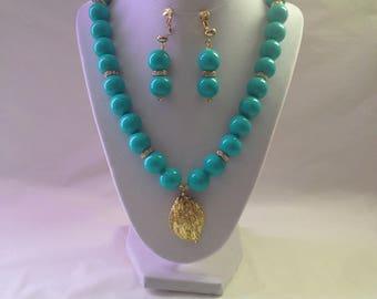 Turquoise Gold Necklace Clip Earring Bracelet Set