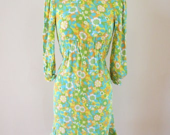 Vintage 1960's dress | floral dress | mod dress | green dress | long sleeve dress | green floral dress | green wiggle dress