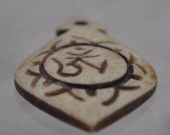 Carved bone pendant leaf - BI029