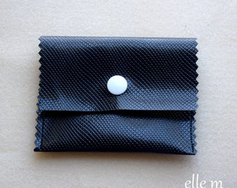 Mini pouch jewelry textured faux leather black and white snaps