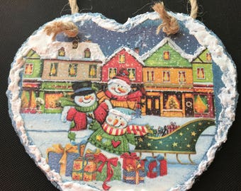 Large Natural Slate Heart Hanger - Snowy Village with Snowmen and Sleigh