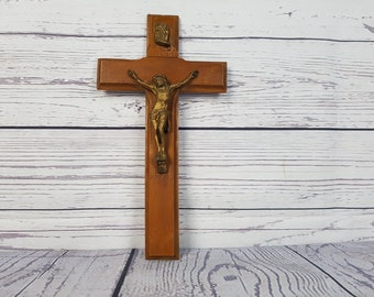 Vintage Wood Wall Cross and Crucifix Jesus on the Cross Gift for Christians Catholics First Communion Baptism Confirmation
