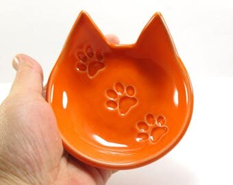 Orange cat dish, Cat dish, Cat ring dish, Ceramic cat dish, Jewelry holder, Clay ring dish, Cat spoon rest, Key holder, Cat lovers gift, Cat