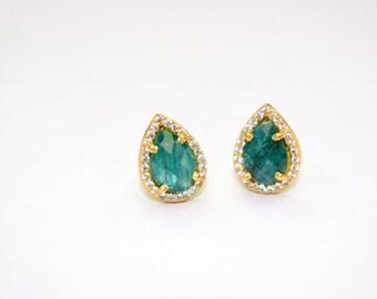 Elegant emerald cz Stud Earring *tiny pear shape stud, green color stud,birthstone stud,gemstone stud,emerald  stud,emerald earrings