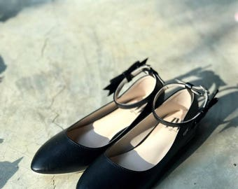 Women Slip On - Pointed Toe Flats! (Black Color)