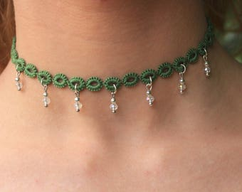 Thin green choker with transparent drops in tatting//gifts for her//gift//accessories for her//gift ideas