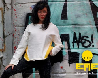 White and yellow Sweater. 80% Cotton