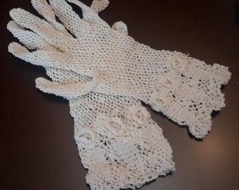 Vintage crochet gloves, small off white, petite gloves