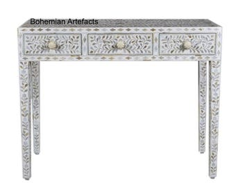 Mother of pearl Inlay console with three drawers white resin - BOHEMIAN ARTEFACTS