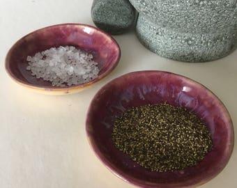 2 ceramic trinket dishes, tea light holder, ceramic ring dish, jewellery dish, trinket bowl, salt and pepper dishes, small ceramic bowl