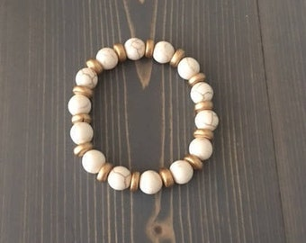 Bead Stretch Bracelet; Cream Howlite; Gold;