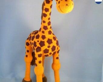 PDF pattern Giraffe April crochet amigurumi giraffe, English, Dutch and German and Arabic