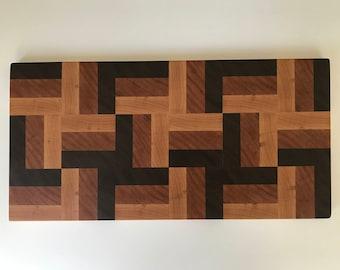 Segmented Bread Board / Cutting Board - Quilt pattern - Endgrain wood - Walnut, Cherry, Maple