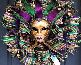 "Mardi Gras mesh wreath with mask  26"""