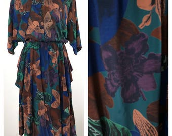 Stunning, vintage, floral midi dress. Approx size 12-14 uk