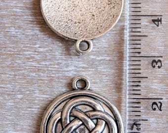 Celtic knot symbol connector