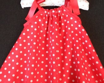 sweet baby summer dress size 80/86, red with white dotpatroon and Red bows, baby summer dress