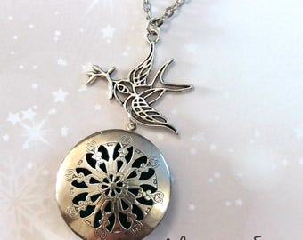 Aromatherapy: Diffuser fragrance with swallow charm necklace