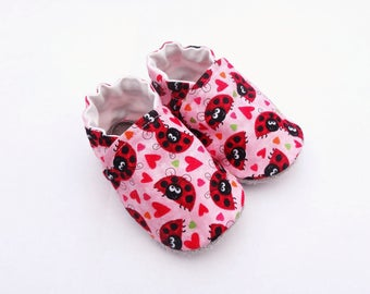 Baby on cotton, non-slip leather sole booties pink with ladybugs