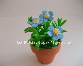 Miniature: mini flower pot, forget-me-not foam