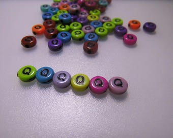 20 letters colors Q 7 mm acrylic beads
