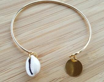 Bracelet jonc fin doré à pampilles rondes et coquillage cori // métal doré