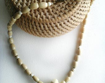 Necklace natural wood