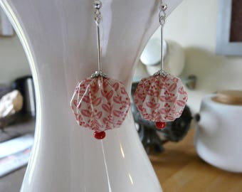 Origami earrings white and pink print paper balls vintage