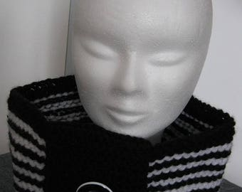 Large black and white wool Snood
