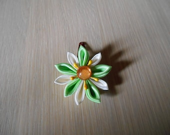 Hair clip with green and ivory satin flower