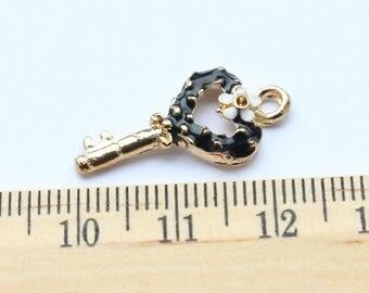 5 Black Heart Key Charms