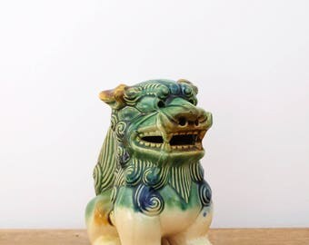 Awesome ceramic Chinese Guardian Lion/Foo Dog ornament statue. Vintage home.