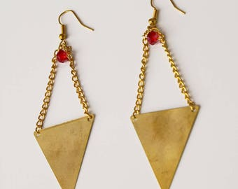 Diamond with red and string pearls earrings gold